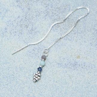 Ørekæde med smykkevedhæng. Håndlavede, unikke smykker med delicaperler, øreringe med sten og perler. Sterling sølv og sølvbelagte perler
